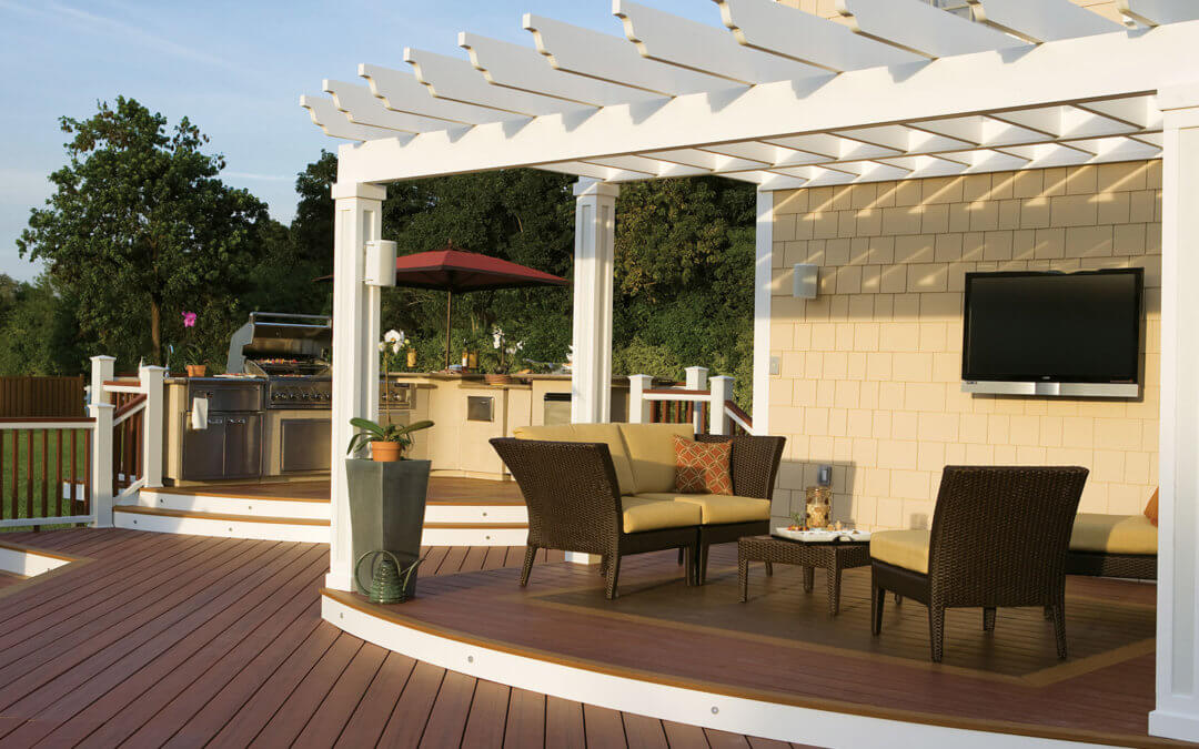 5 Ways to Keep Your Deck Looking Great All Summer Long